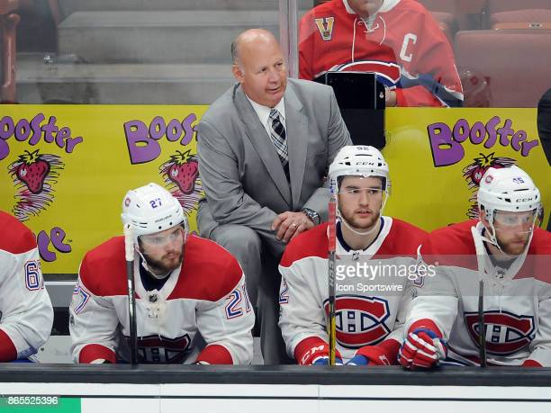 Montréal Canadiens head coach Claude Julien behind his players on the bench late in the third period of a game against the Anaheim Ducks on October...