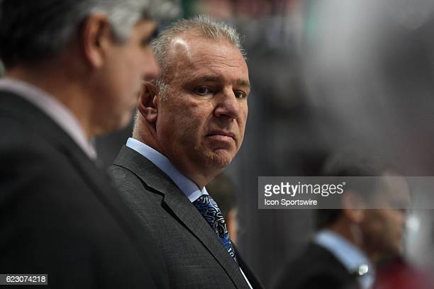 Montreal Canadiens head coach Michel Therrien in the third period during a game between the Chicago Blackhawks and the Montreal Canadiens on November...