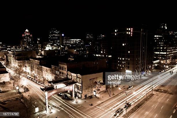 Le quartier chinois de Montréal, de nuit