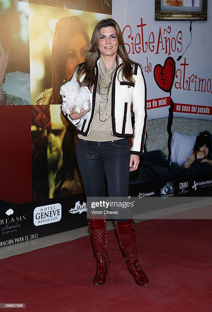 Montserrat Oliver attends the '7 Anos de Matrimonio' Mexico City premiere red carpet at Plaza Carso on January 22, 2013 in Mexico City, Mexico.