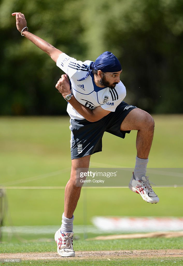 <a gi-track='captionPersonalityLinkClicked' href=/galleries/search?phrase=Monty+Panesar&family=editorial&specificpeople=592881 ng-click='$event.stopPropagation()'>Monty Panesar</a> of England bowls during an nets session at the University Oval on March 5, 2013 in Dunedin, New Zealand.