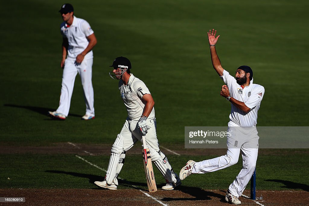 Monty Panesar of England bowls during day two of the First Test match between New Zealand and England at University Oval on March 7, 2013 in Dunedin, New Zealand.