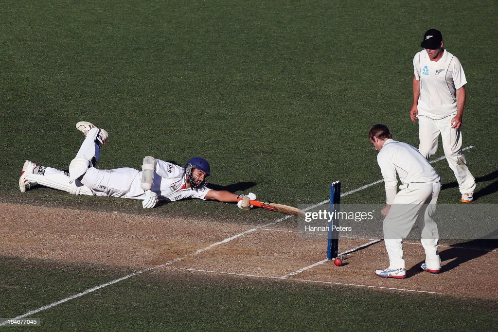 <a gi-track='captionPersonalityLinkClicked' href=/galleries/search?phrase=Monty+Panesar&family=editorial&specificpeople=592881 ng-click='$event.stopPropagation()'>Monty Panesar</a> of England dives into his crease during day five of the Third Test match between New Zealand and England at Eden Park on March 26, 2013 in Auckland, New Zealand.