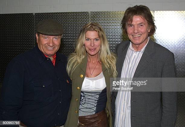 Monty Roberts Chris Roberts Ehefrau Claudia Roberts Köln 'Kölnarena' Entertainment 'Die Sprache der Pferde Tour' Hut Mütze MP Foto PBischoff/L...