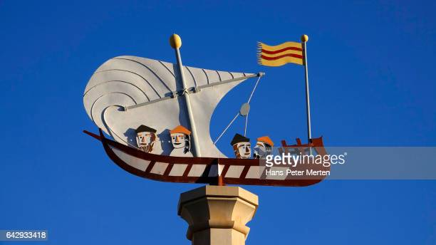Monument at the harbour of Palma de Mallorca, Majorca, Balearic Islands, Spain