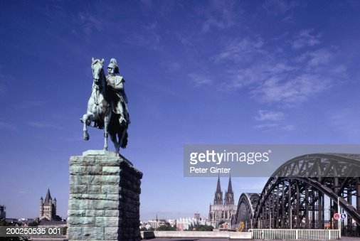 Monument, Bridge and Cathedral, Cologne, Germany : Stock-Foto