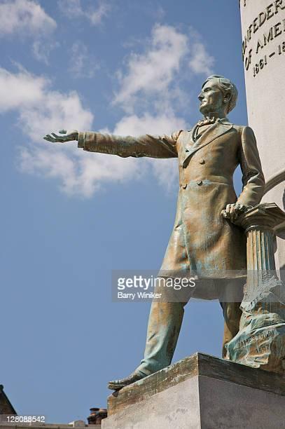 Monument to Jefferson Davis, President of the Confederate States of America, Monument Avenue, Richmond, Virginia, USA
