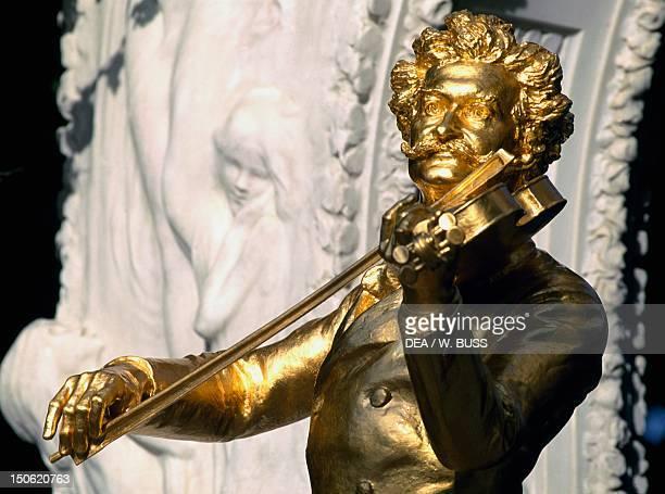 Monument to Johann Strauss bronze statue by Edmund Hellmer Viennese City Park Vienna Detail Austria 20th century