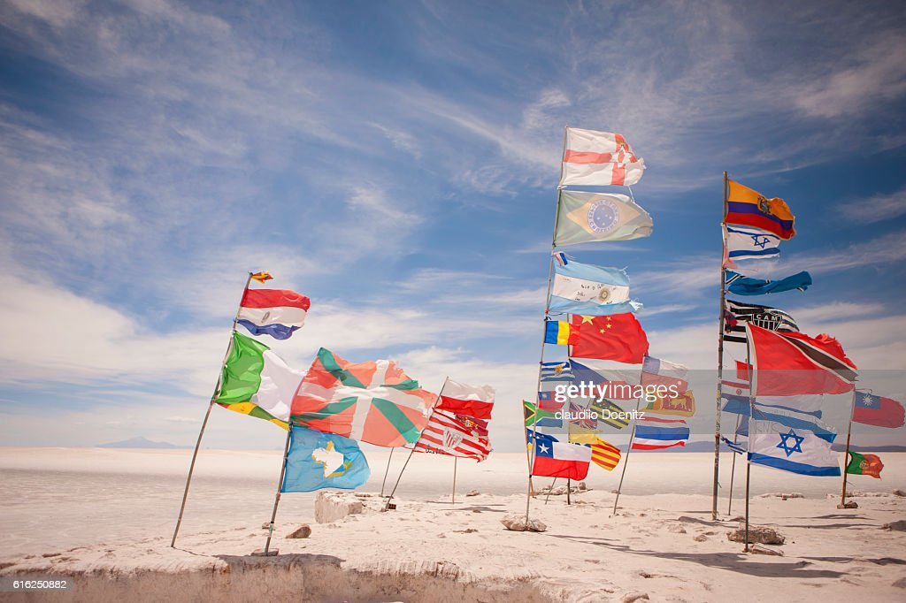 monument to the flags of the world, Uyuni Salt Flats : Foto de stock