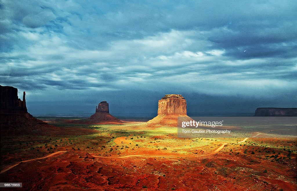 Monument Valley break in the storm : Stock Photo