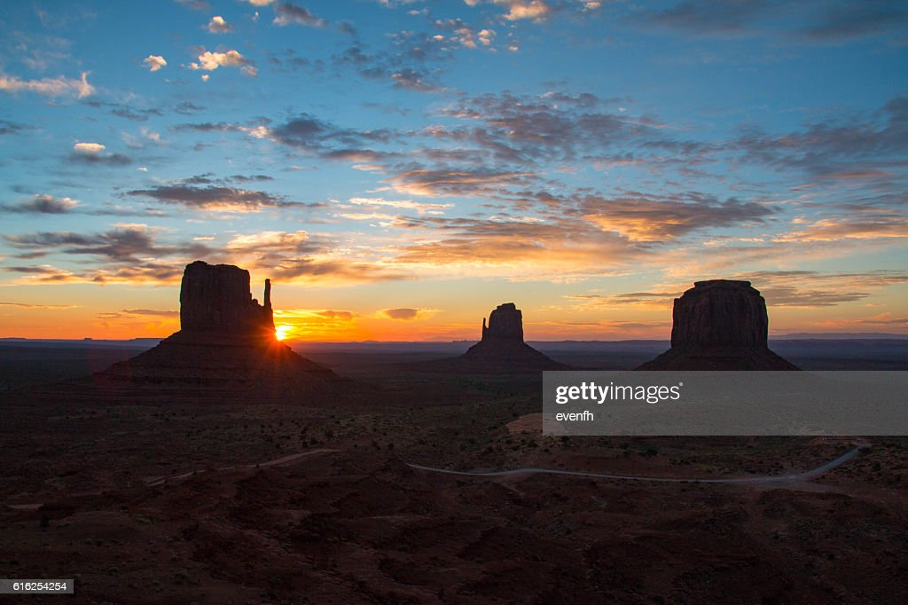 Monument Valley on the border between Arizona and Utah : Foto de stock