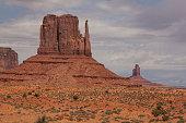 Monument Valley Navajo Tribal Park Tse'Bii'Ndzisgaii