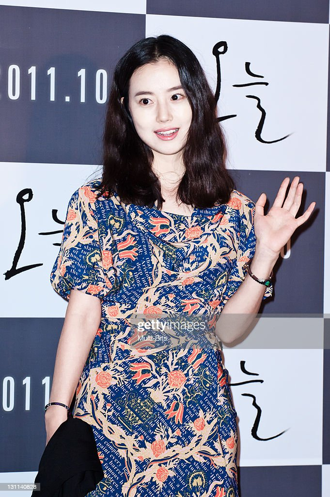 Moon Chae-Won attends the movie 'Today' press conference at Gun Dae Lotte Cinema on October 12, 2011 in Seoul, South Korea.