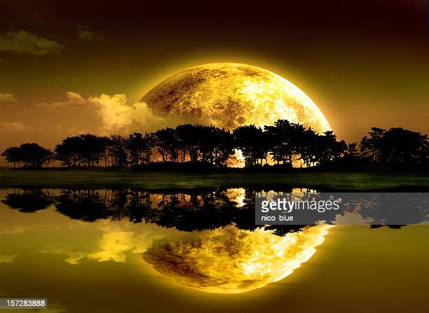 Moon schwimmend