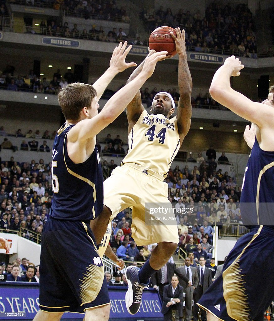 J.J. Moore #44 of the Pittsburgh Panthers pulls up for a shot against the Notre Dame Fighting Irish at Petersen Events Center on February 18, 2013 in Pittsburgh, Pennsylvania. Irish won 51-42.