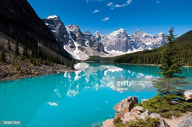 Lago Moraine de colores de verano