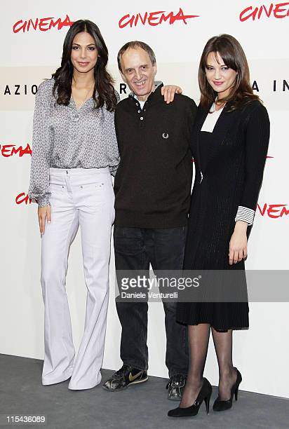 Moran Atias Dario Argento and Asia Argento attend the 'La Terza Madre' photocall during Day 7 of the 2nd Rome Film Festival on October 24 2007 in...