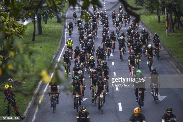 More than 1400 amateur cyclists participate in 'L'Etape Colombia by Le Tour de France' in Medellin Colombia on August 13 2017 / AFP PHOTO / JOAQUIN...