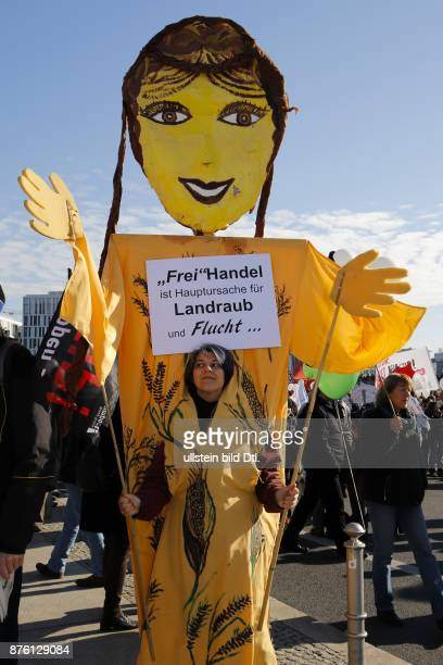 More than 150 000 people demonstrated on October 10 Berlin against the planned free trade agreement of the EU between the US and Canada