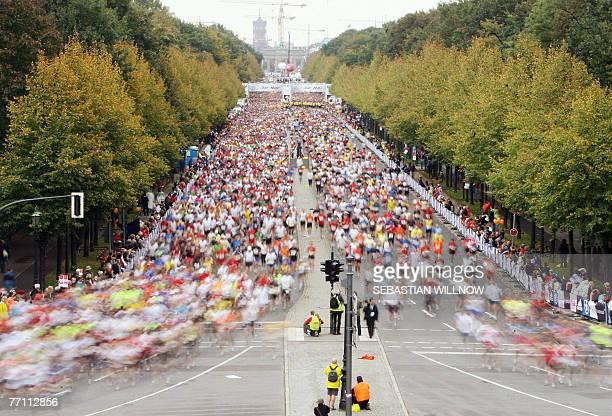 More than 40000 runners take part in the 34th Berlin Marathon 30 September 2007 Double Olympic champion Haile Gebreselassie broke the world marathon...