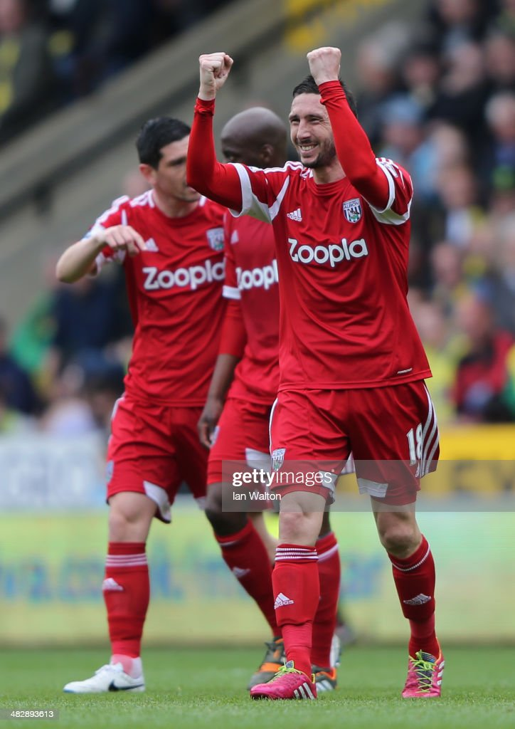 <a gi-track='captionPersonalityLinkClicked' href=/galleries/search?phrase=Morgan+Amalfitano&family=editorial&specificpeople=2528212 ng-click='$event.stopPropagation()'>Morgan Amalfitano</a> (R) of West Brom celebrates after scoring the opening goal during the Barclays Premier League match between Norwich City and West Bromwich Albion at Carrow Road on April 5, 2014 in Norwich, England.