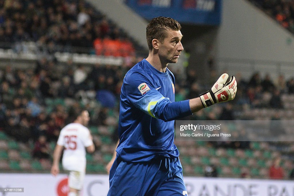 <a gi-track='captionPersonalityLinkClicked' href=/galleries/search?phrase=Morgan+De+Sanctis&family=editorial&specificpeople=615695 ng-click='$event.stopPropagation()'>Morgan De Sanctis</a> goalkeeper of AS Roma reacts during the Serie A match between US Sassuolo Calcio and AS Roma on April 29, 2015 in Reggio nell'Emilia, Italy.
