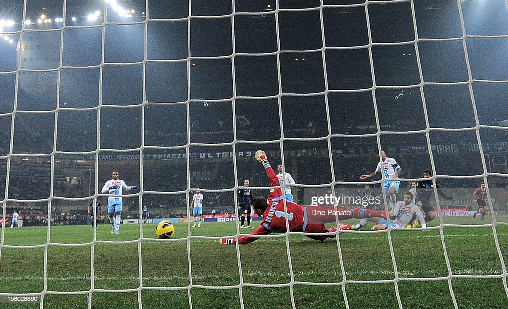 <a gi-track='captionPersonalityLinkClicked' href=/galleries/search?phrase=Morgan+De+Sanctis&family=editorial&specificpeople=615695 ng-click='$event.stopPropagation()'>Morgan De Sanctis</a> goalkeeper of SSC Napoli fails to save as <a gi-track='captionPersonalityLinkClicked' href=/galleries/search?phrase=Fredy+Guarin&family=editorial&specificpeople=746933 ng-click='$event.stopPropagation()'>Fredy Guarin</a> scores during the Serie A match between FC Internazionale Milano and SSC Napoli at San Siro Stadium on December 9, 2012 in Milan, Italy.