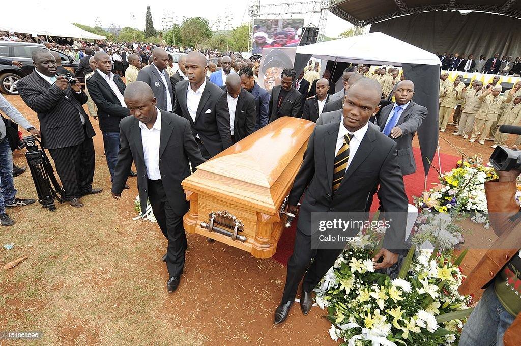 Morgan Gould Siboniso Gaxa Jabulani Maluleke Lerato Chabangu Bennett Chenene Katlego Mashego Luvengo Mungomeni Coltrene Monyai carry the coffin of...