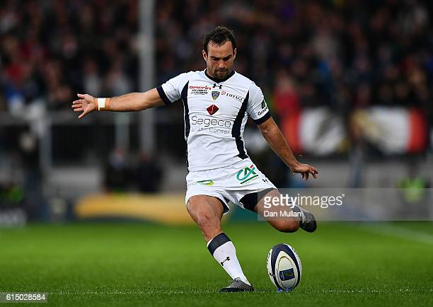 Morgan Parra of Clermont Auvergne kicks a conversion during the European Rugby Champions Cup match between Exeter Chiefs and Clermont Auvergne at...