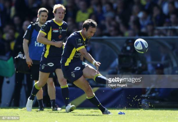 Morgan Parra of Clermont Auvergne kicks a penalty during the European Rugby Champions Cup semi final match between ASM Clermont Auvergne and Leinster...