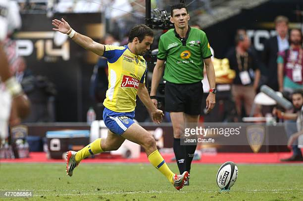 Morgan Parra of Clermont in action during the Top 14 Final between ASM Clermont Auvergne and Stade Francais Paris at Stade de France on June 13 2015...