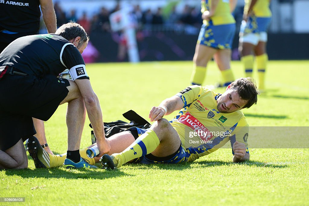 Morgan Parra of Clermont is injured during the French Top 14 rugby union match between Racing 92 v Clermont at Stade Yves Du Manoir on May 1, 2016 in Colombes, France.