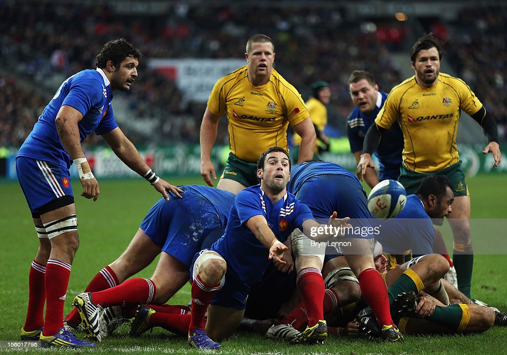 Morgan Parra of France passes the ball during the Autumn International match between France and Australia at Stade de France on November 10, 2012 in Paris, France.