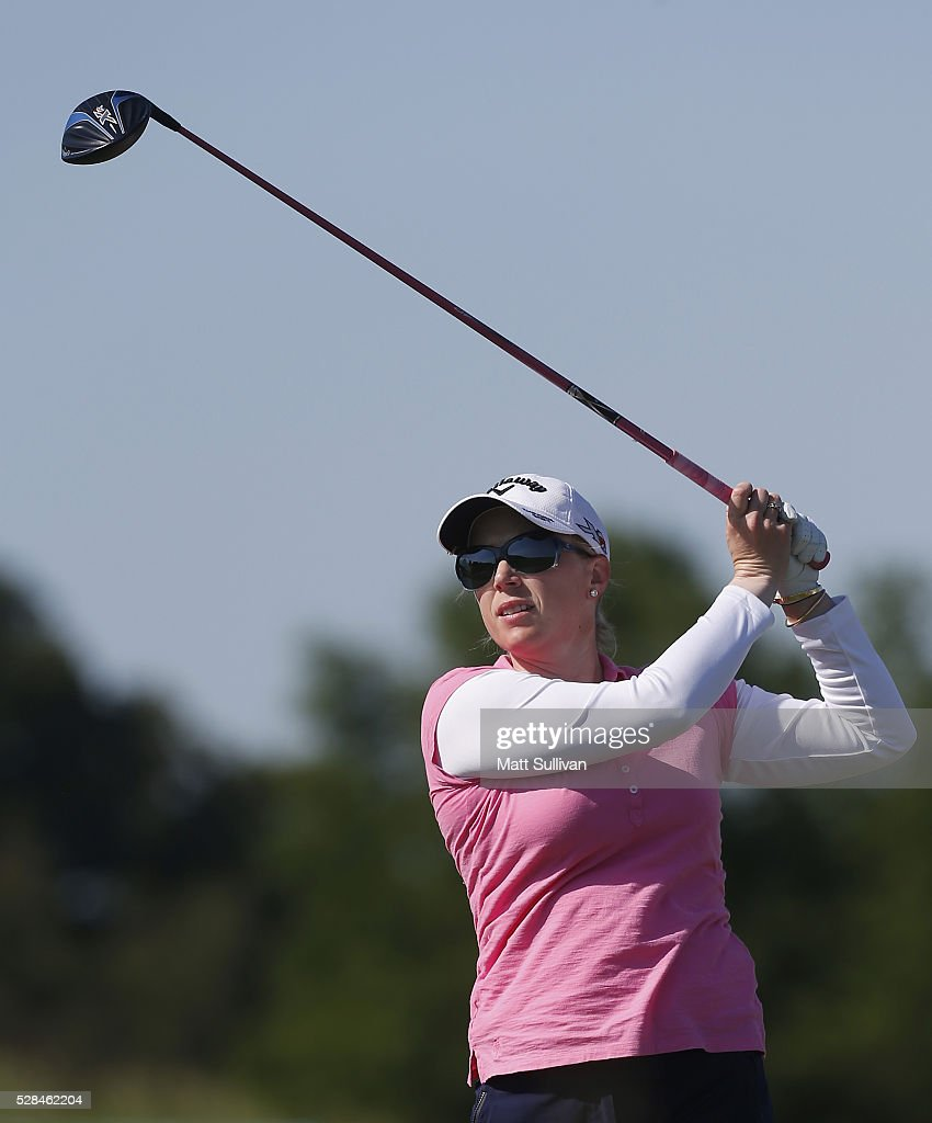 <a gi-track='captionPersonalityLinkClicked' href=/galleries/search?phrase=Morgan+Pressel&family=editorial&specificpeople=213164 ng-click='$event.stopPropagation()'>Morgan Pressel</a> watches her tee shot on the third hole during the Yokohama Tire Classic on May 05, 2016 in Prattville, Alabama.