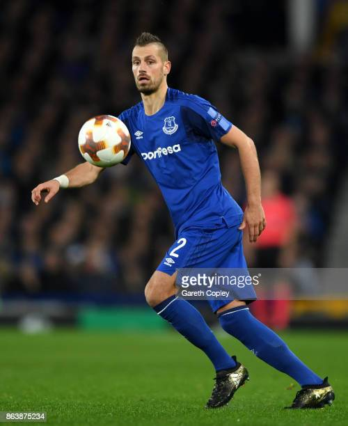 Morgan Schneiderlin of Everton during the UEFA Europa League group E match between Everton FC and Olympique Lyon at Goodison Park on October 19 2017...