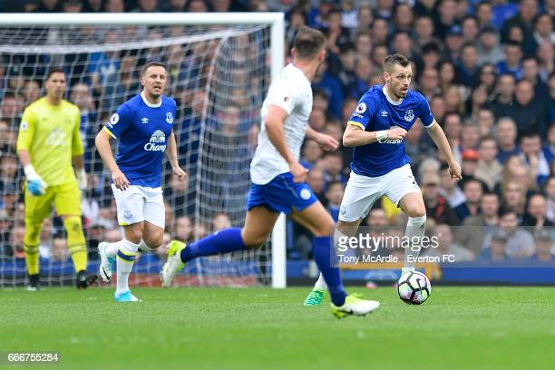 Morgan Schneiderlin of Everton runs with that ball during the Premier League match between Everton and Leicester City at Goodison Park on April 9...