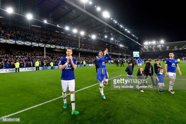 Morgan Schneiderlin Ross Barkley and Leighton Baines acknowledge the crowd after the Premier League match between Everton and Watford at Goodison...
