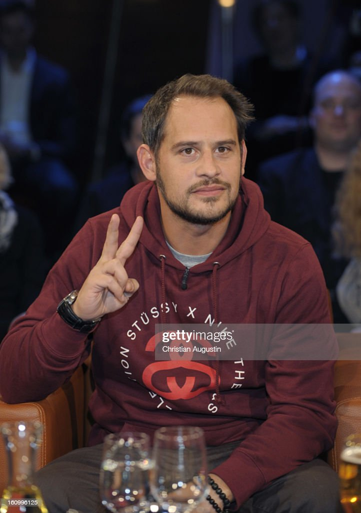 <a gi-track='captionPersonalityLinkClicked' href=/galleries/search?phrase=Moritz+Bleibtreu&family=editorial&specificpeople=211453 ng-click='$event.stopPropagation()'>Moritz Bleibtreu</a> attends a photocall for NDR Talk Show at NDR TV Studio on February 8, 2013 in Hamburg, Germany.