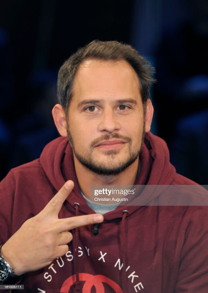 Moritz Bleibtreu attends a photocall for NDR Talk Show at NDR TV Studio on February 8, 2013 in Hamburg, Germany.