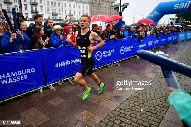 Moritz Horn of Germany runs during the Elite Mixed Relay at Hamburg Wasser ITU World Triathlon Championships 2017 on July 16 2017 in Hamburg Germany