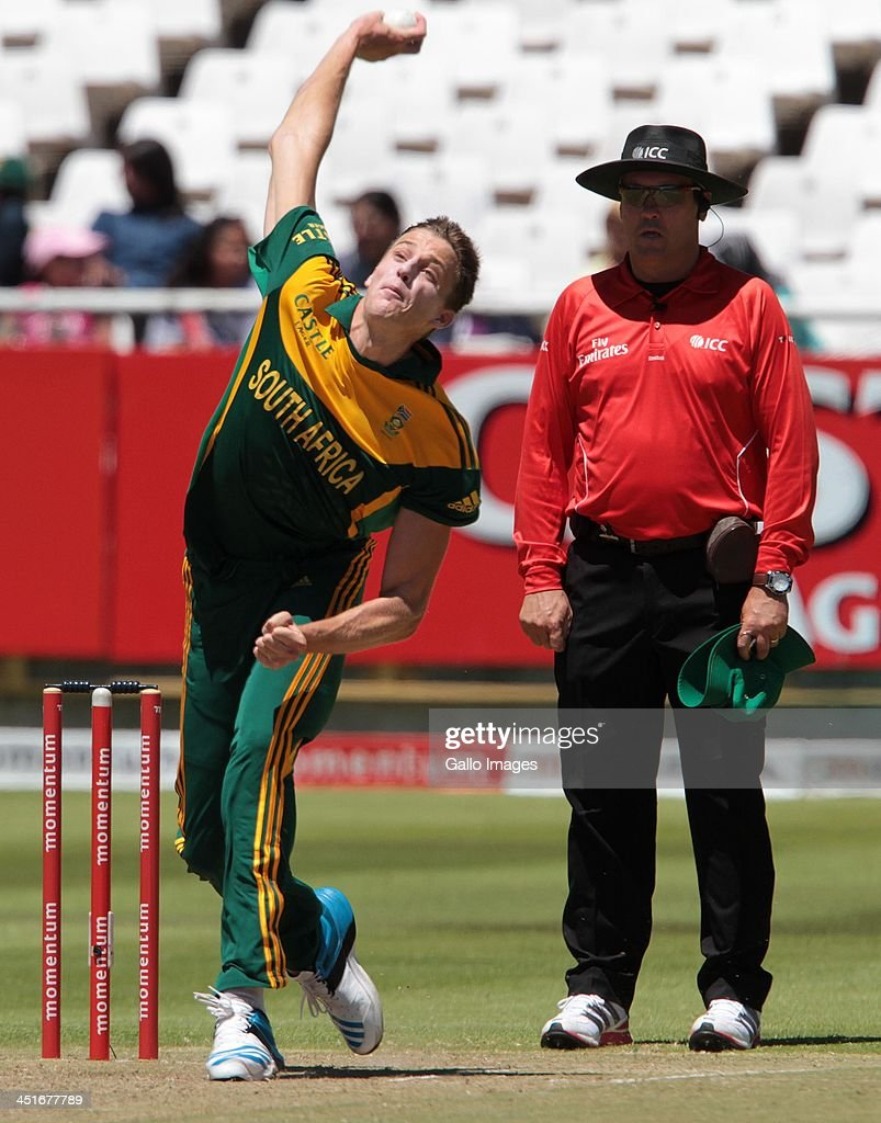 <a gi-track='captionPersonalityLinkClicked' href=/galleries/search?phrase=Morne+Morkel&family=editorial&specificpeople=4064354 ng-click='$event.stopPropagation()'>Morne Morkel</a> bowling for South Africa during the 1st One Day International match between South Africa and Pakistan at Sahara Park Newlands on November 24, 2013 in Cape Town, South Africa.