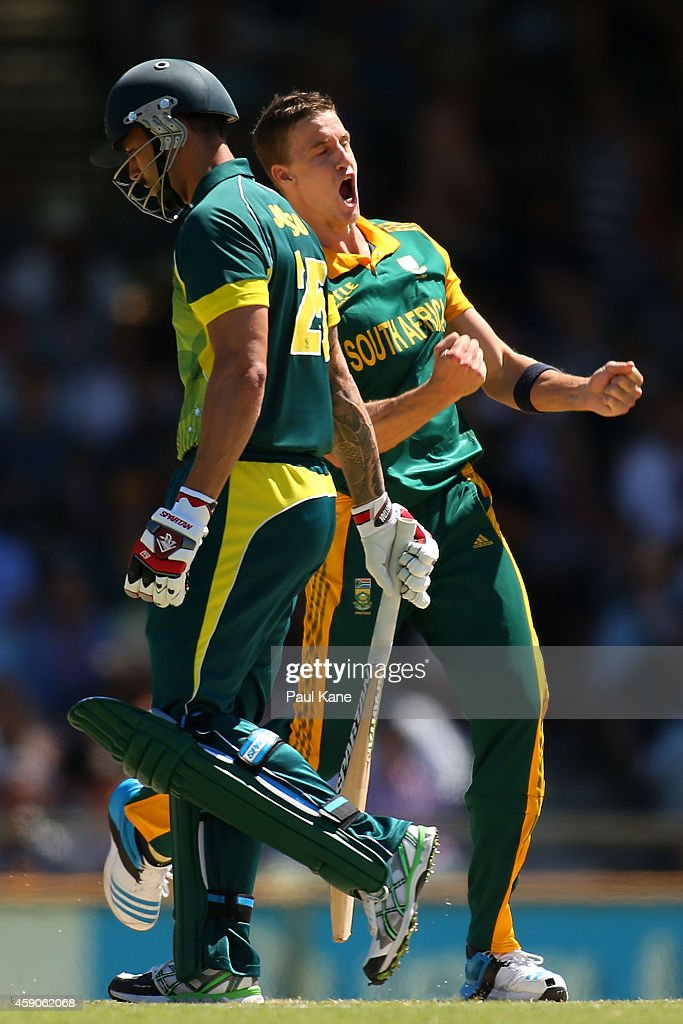 <a gi-track='captionPersonalityLinkClicked' href=/galleries/search?phrase=Morne+Morkel&family=editorial&specificpeople=4064354 ng-click='$event.stopPropagation()'>Morne Morkel</a> of South Africa celebrates after dismissing <a gi-track='captionPersonalityLinkClicked' href=/galleries/search?phrase=Mitchell+Johnson+-+Jugador+de+cr%C3%ADquet&family=editorial&specificpeople=665783 ng-click='$event.stopPropagation()'>Mitchell Johnson</a> of Australia during the One Day International match between Australia and South Africa at the WACA on November 16, 2014 in Perth, Australia.