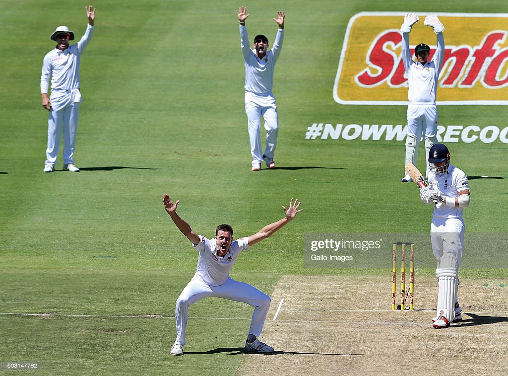Morne Morkel of the Proteas appeals for LBW against Alex Hales of England during day 1 of the 2nd Test match between South Africa and England at PPC Newlands on January 02, 2016 in Cape Town, South Africa.