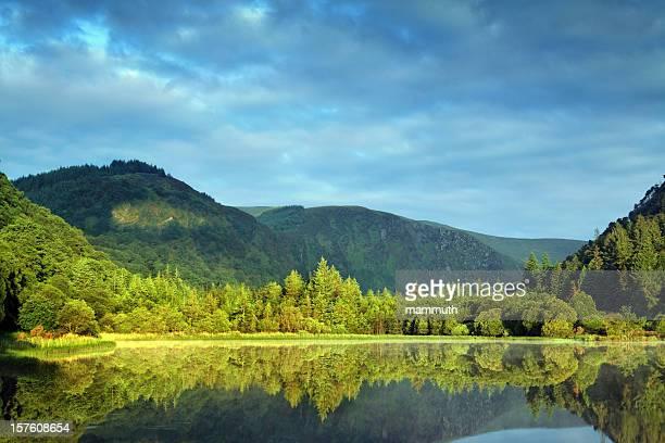 morning at the mountain lake