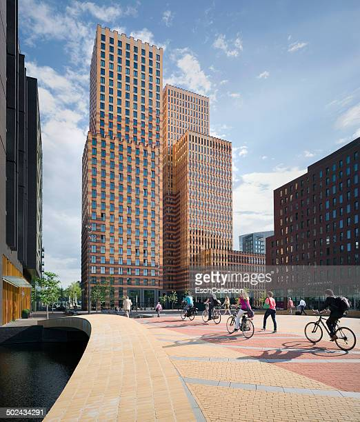 Morning commute Amsterdam Zuid business district