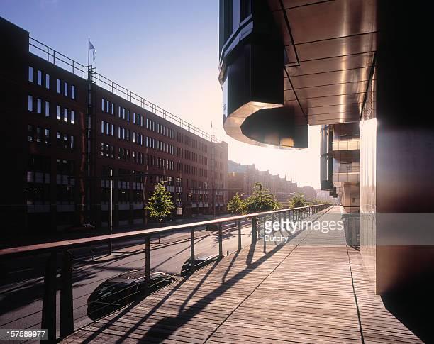 朝の光を訪れる Hafen シティーのビジネスエリアのハンバーグ。