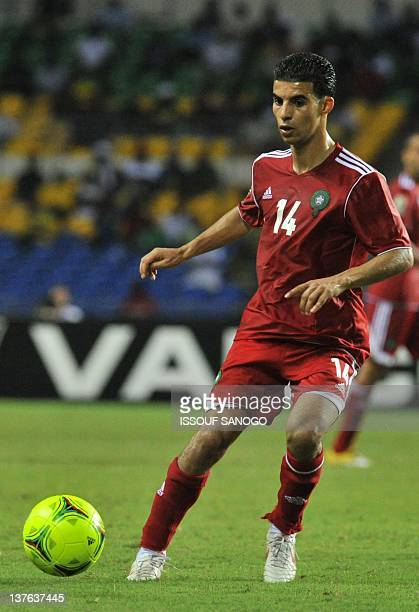 Morocco national football team midfielder Boussoufa Mbarek controls the ball during the match against Tunisia at the Stade de l'Amitie on January 23...