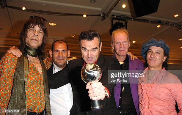 Morrissey winner of the Silver Clef Award with David Johansen Arthur 'Killer' Kane and Sylvain Sylvain of the New York Dolls and guest