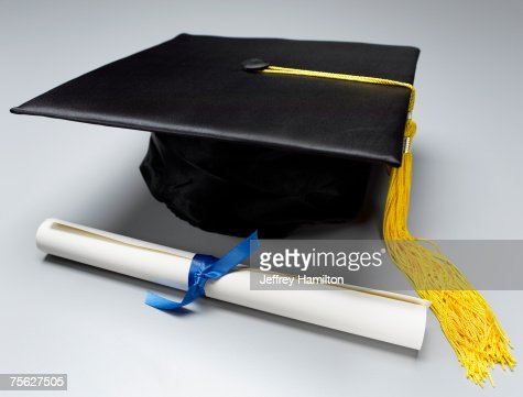 Mortarboard and Diploma : Bildbanksbilder