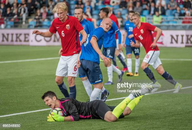 Morten Thorsby of Norway Visar Bekaj of Kosovo during the Qualifying Round European Under 21 Championship 2019 between Norway v Kosovo at Ullevaal...